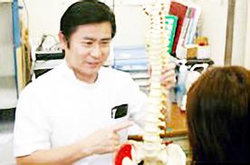 小田原市 整体 腰痛肩こり骨盤矯正 施術風景1