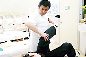 小田原市 整体 腰痛肩こり骨盤矯正 施術風景4